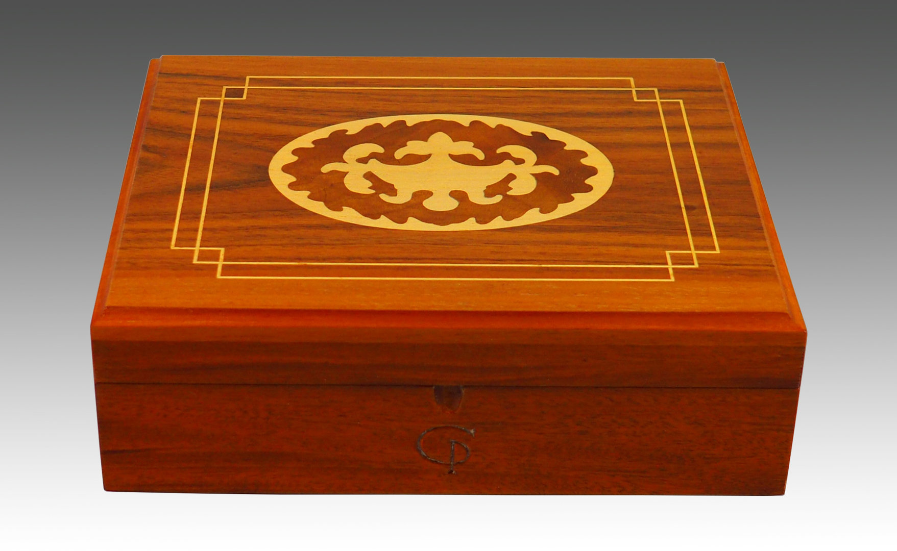 Mahogany, walnut and sycomore box